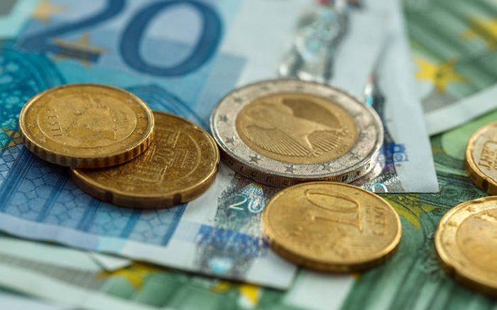 Μελετάται επίδομα ΟΑΕΔ 718 ευρώ για εργαζόμενους επιχειρήσεων που κλείνουν λόγω κορονοϊού