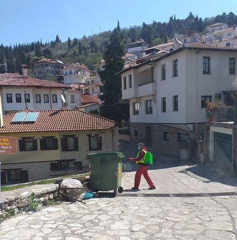 Καθημερινές απολυμάνσεις παντού από το Δήμο Καστοριάς