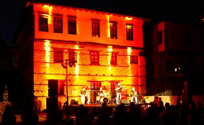"""Η μουσική βραδιά με τους """"JAZZ TROPICAL QUINTET"""" στο Φεστιβάλ της Αυλής"""