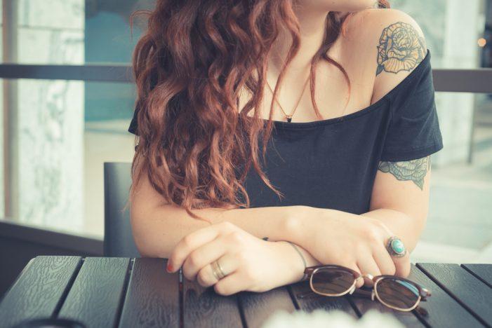 Όλα τα μειονεκτήματα για την υγεία που περιλαμβάνουν τα τατουάζ