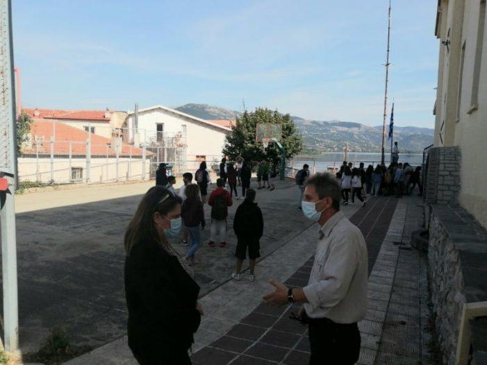 Ολυμπία Τελιγιορίδου: Ερώτηση για την αδυναμία τήρησης υγειονομικών μέτρων στο 3ο Γυμνάσιο Καστοριάς