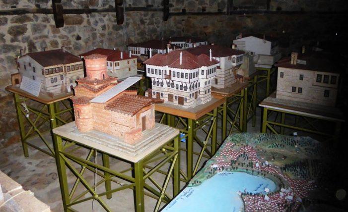 Ο Δήμος Καστοριάς, με ενέργειες του Τοπικού Συμβουλίου Καστοριάς εξασφάλισε στέγη για τα έργα-μακέτες του Νίκου Πιστικού