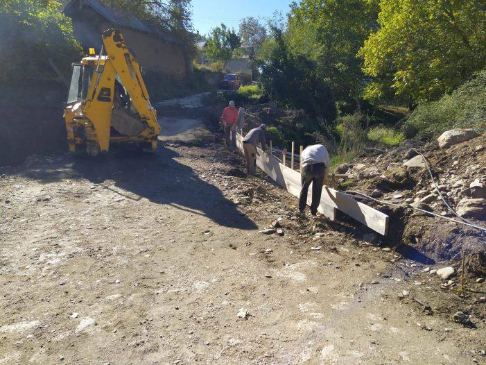 """Δήμος Άργους Ορεστικού: Κατασκευή διάβασης ιρλανδικού τύπου στο ρέμα """"Μουρίκι"""" της Κοινότητας Γέρμα"""