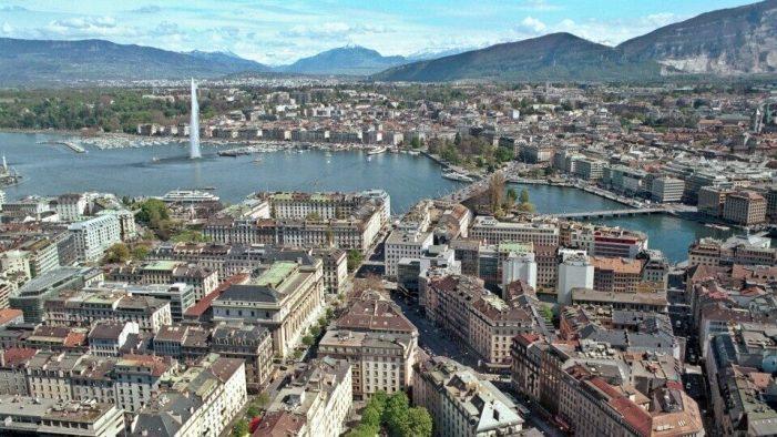 Η Γενεύη υιοθετεί κατώτερο μισθό 3.785 ευρώ τον μήνα