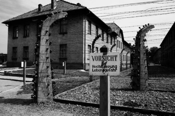 27η Ιανουαρίου : Διεθνής Ημέρα μνήμης για τα θύματα του Ολοκαυτώματος