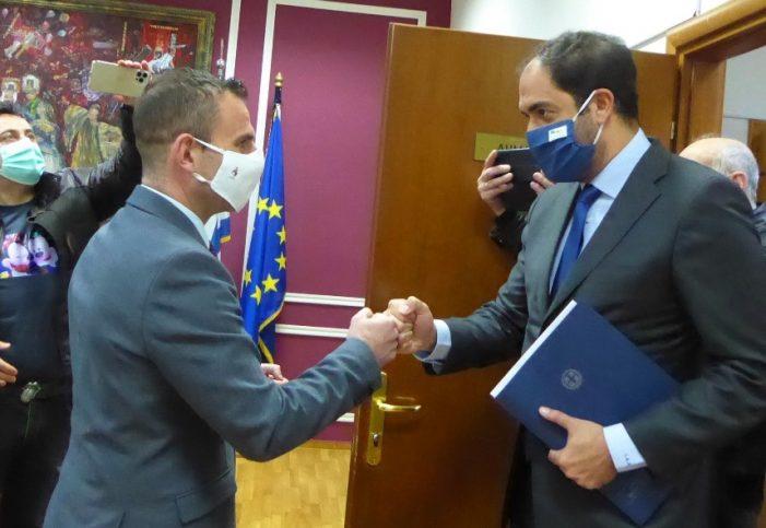 Τον Υφυπουργό Υποδομών και Μεταφορών, κ. Γιάννη Κεφαλογιάννη, υποδέχθηκε ο Δήμαρχος Καστοριάς, Γιάννης Κορεντσίδης