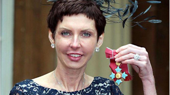 Ντενίζ Κόουτς: Η πλουσιότερη γυναίκα της Βρετανίας έλαβε μισθό 648 εκατ. δολαρίων για το 2020