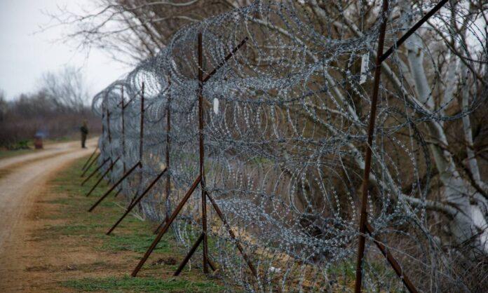 Σχέδιο «Μάρτιος 2020» σε αστυνομία, λιμενικό και ένοπλες δυνάμεις για την προστασία των συνόρων