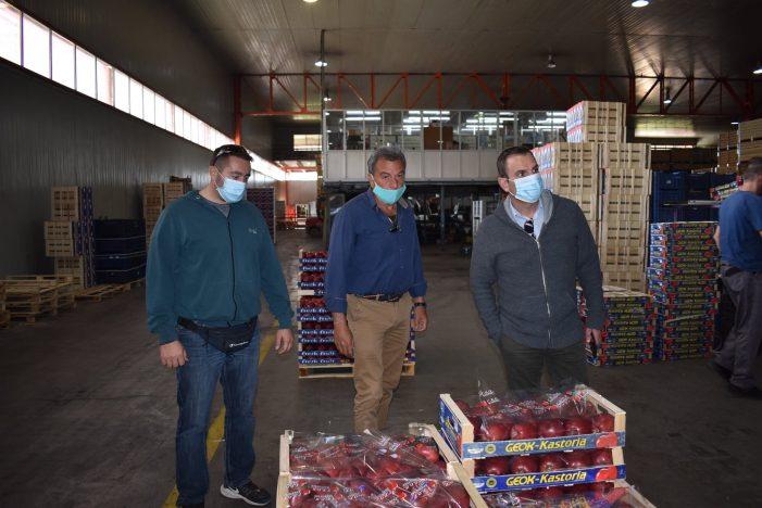 Με μηλοπαραγωγούς και τη διοίκηση της ΓΕΟΚ συναντήθηκε ο Δήμαρχος Καστοριάς