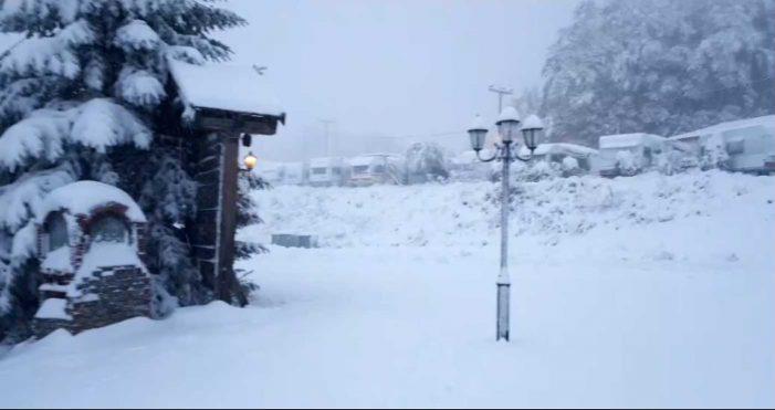 Χιονίζει τώρα στο Πισοδέρι Φλώρινας- Πανέμορφες εικόνες (βίντεο)